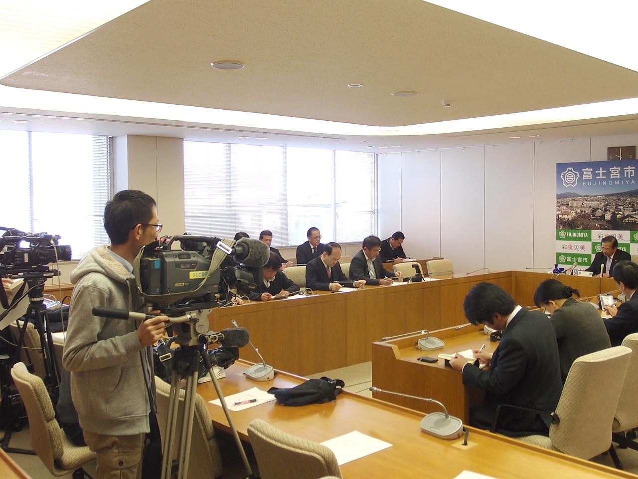 富士宮市長定例記者会見の様子