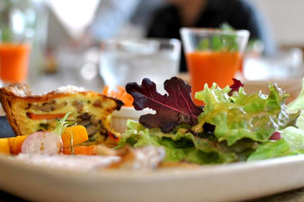 JINQの野菜いっぱいのランチプレート
